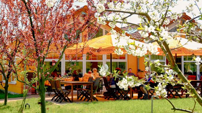 Café-Restaurant mit See-Terrasse in Brandenburg